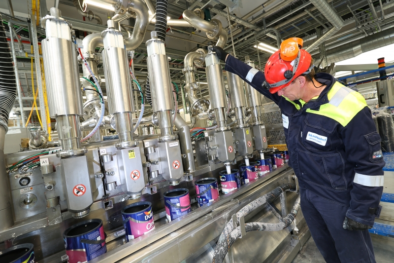 See Inside The Akzonobel 163 100m Dulux Paint Factory In